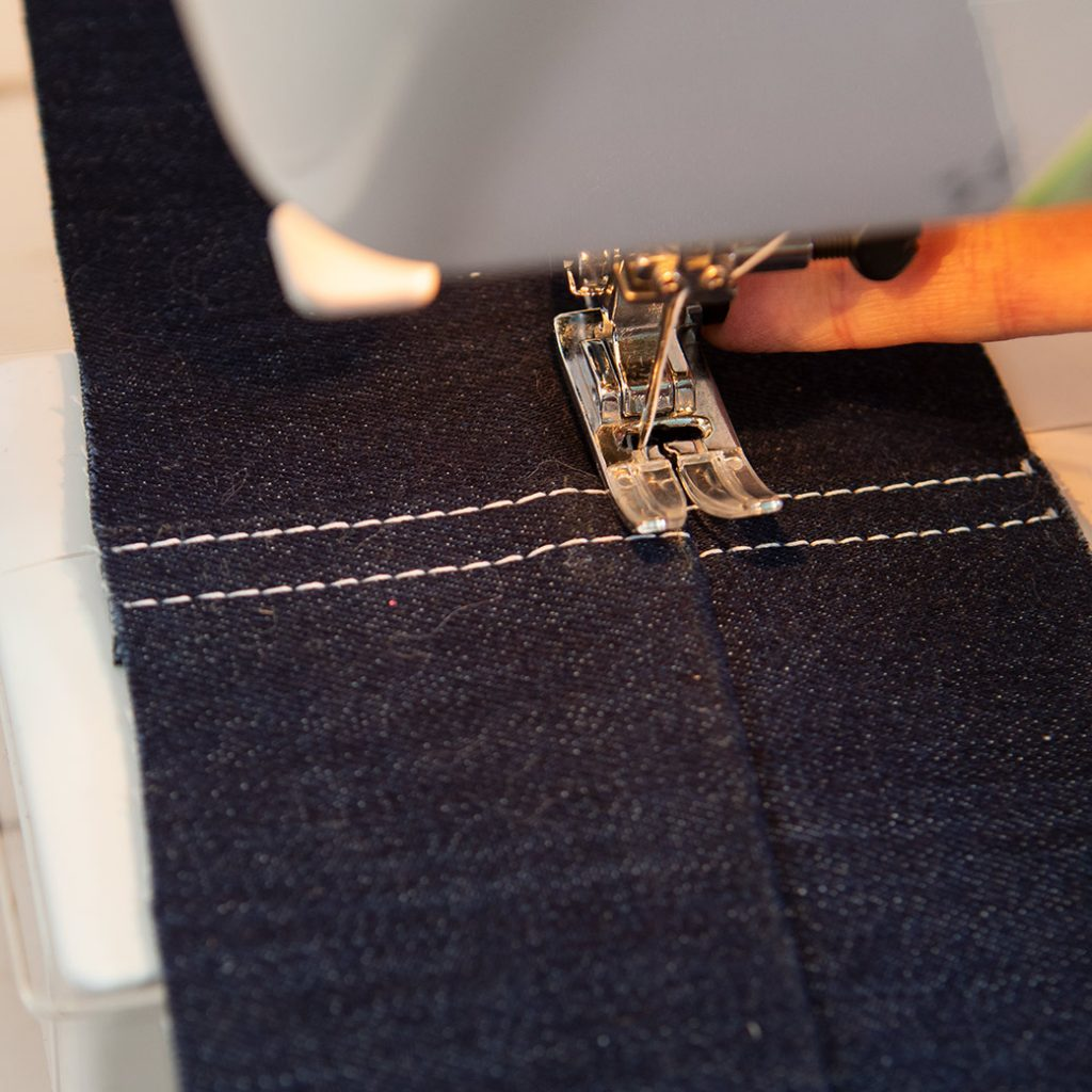 leveling out machine foot for topstitching with button on foot