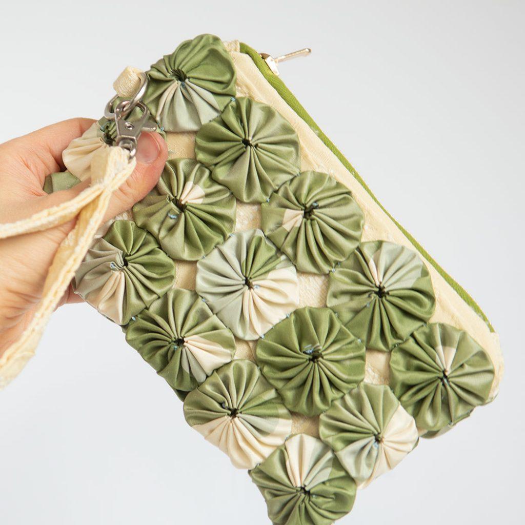 diy wristlet purse with yoyo overlay
