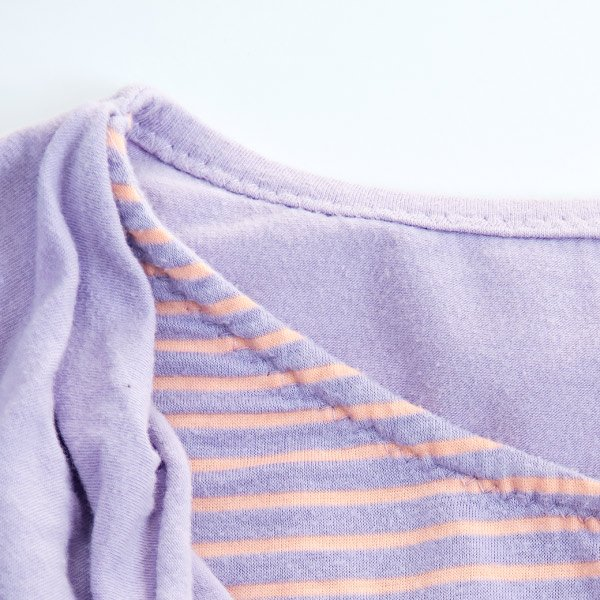 zigzag stitch on t-shirt neckline