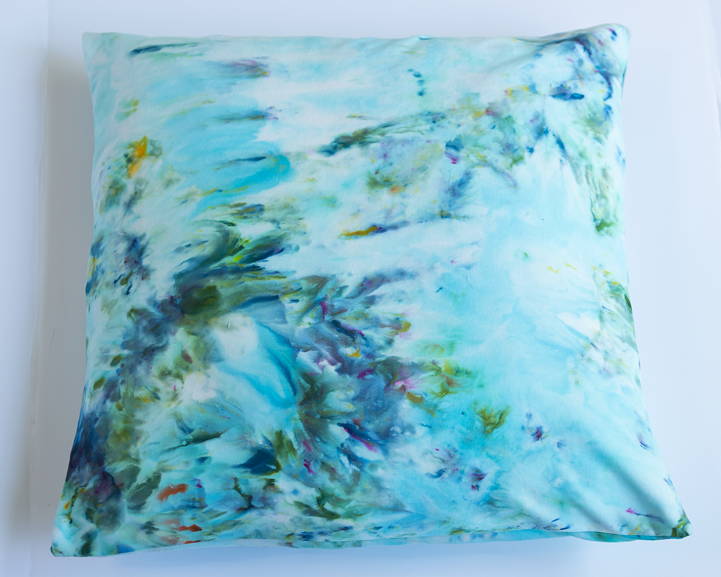 finished DIY ice dye pillow