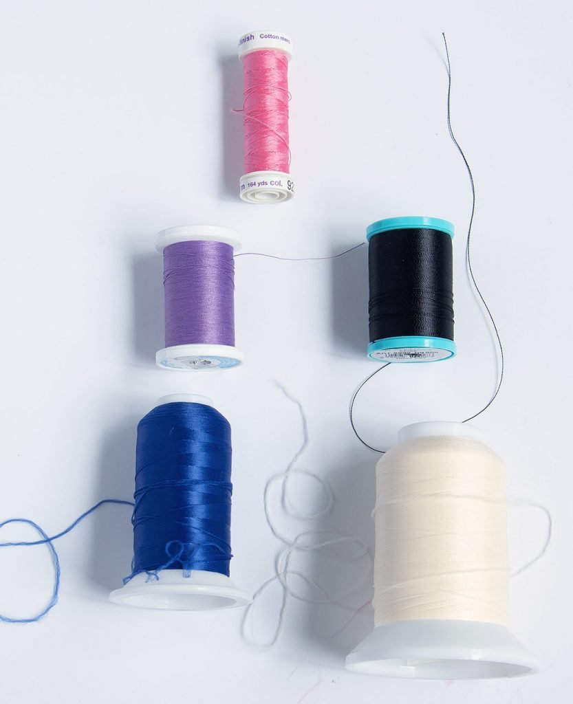 threads used to sew knits without a serger