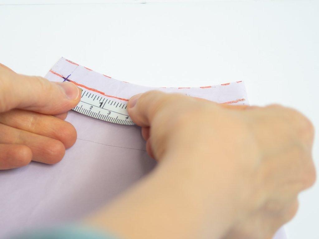 measuring front neck seam on raglan top