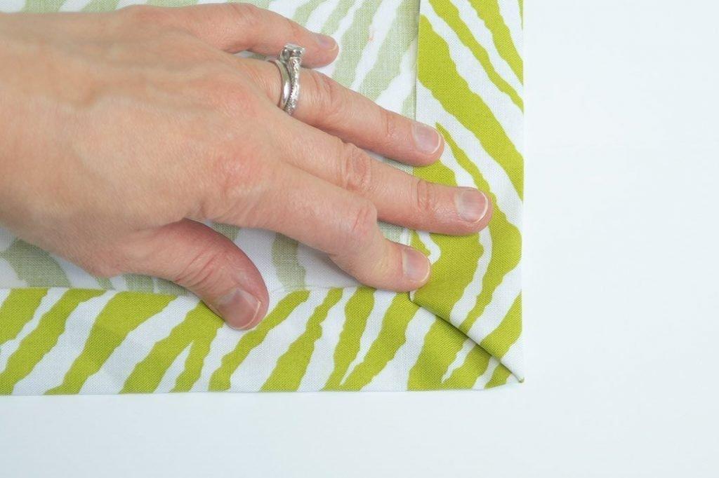 sew a mitered corner: folding a miter