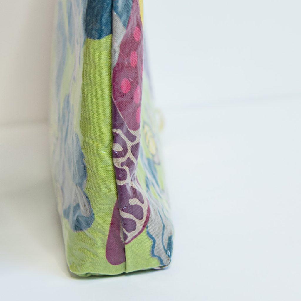 boxed corner on a DIY zipper bag
