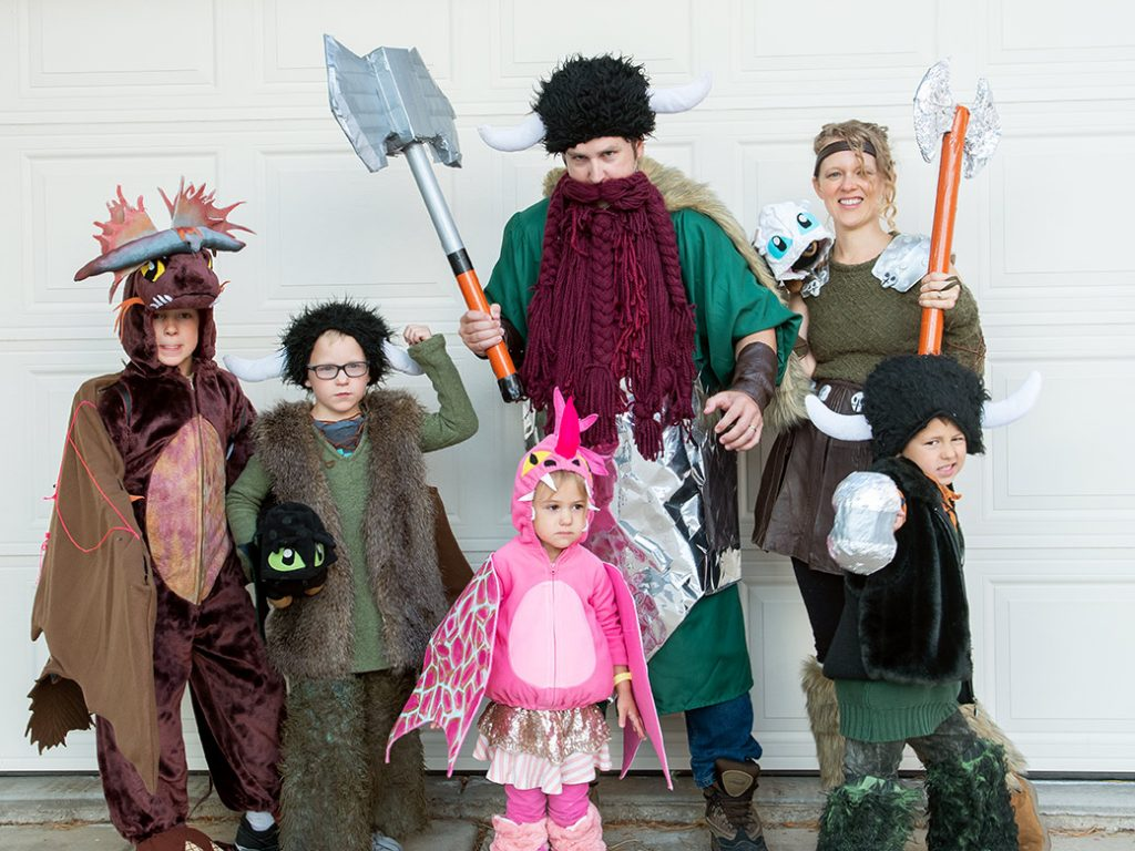 DIY How to Train Your Dragon group costumes