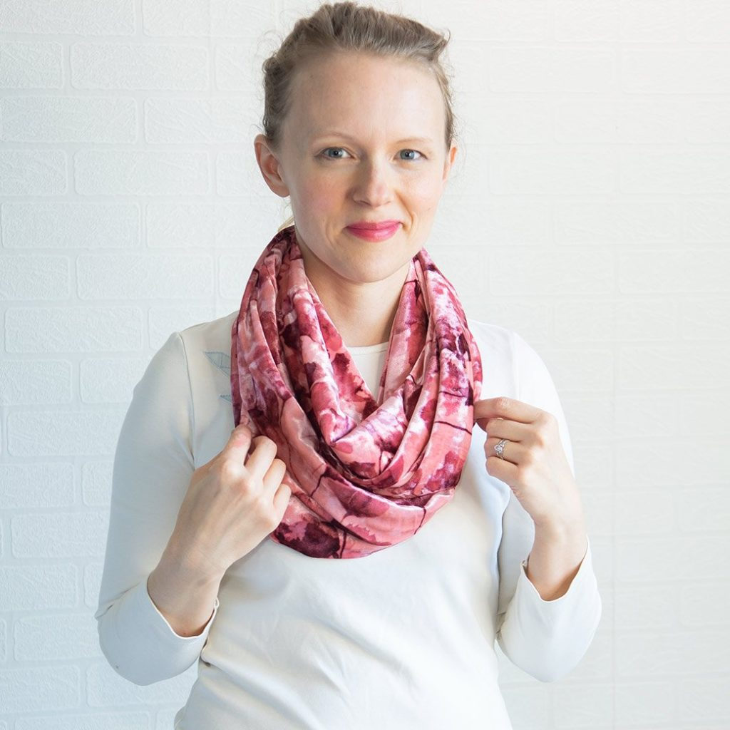 How to make a chic velvet infinity scarf