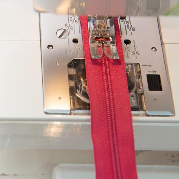 zigzag a zipper