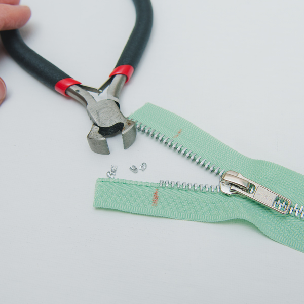 remove teeth from zipper