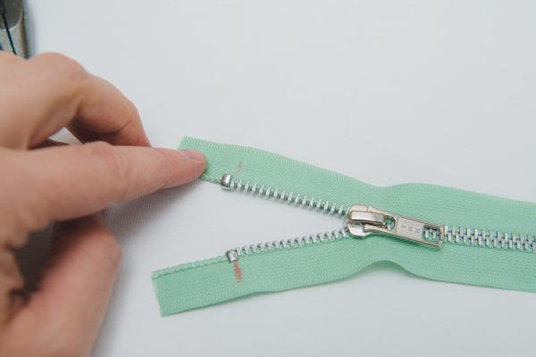 top stops on zipper